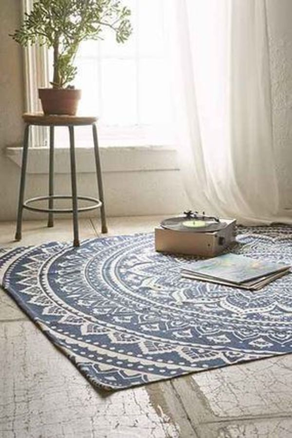 【UO】Coolな☆Plum & Bow Sahara Medallion Rug(2サイズ)