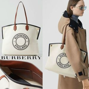 ∞∞ Burberry ∞∞ Large Logo Graphic Society トート☆