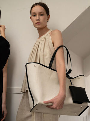 ☆[KINDERSALMON☆Leather-Trimmed Canvas Tote Ecru☆韓国発