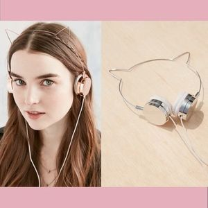 【Urban Outfitters】ヘッドフォンCat Headphones