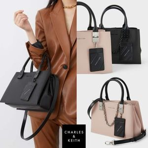 ★ Charles & Keith★Double Top Handle Strucked Bag★2色