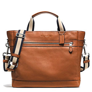 2色のトート COACH UTILITY TOTE IN SMOOTH LEATHER F71792