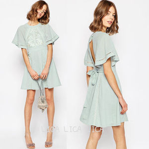 送料無料・国内発送ASOS Embroidered Lace Insert Skater Dress