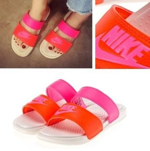 NIKE☆BENASSI DUO ULTRA SLIDEサンダル  819717-068