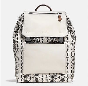 【Coach】SALE!MANHATTAN backpack☆レピタイル柄
