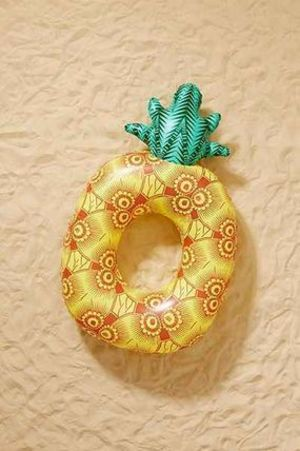 Urban Outfitters★ Pineapple Pool Float★完売必至