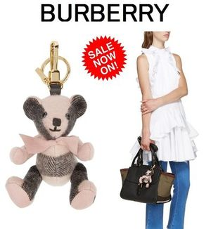 ☆SALE☆Burberry ピンクカシミヤトーマスキーチェーン