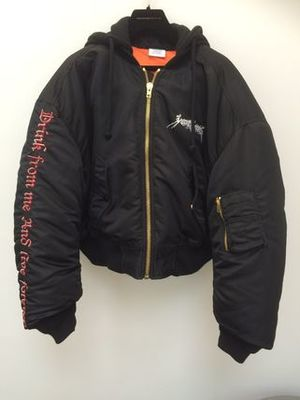 【VETEMENTS】登坂愛用 16/17AW 新作 BLACK BOMBER JACKET