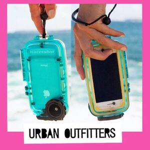 Urban Outfitters☆3色水中100m防水ケースiPhone5/5S/5C
