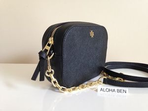 Tory Burch ROBINSON ROUND CROSS-BODY 即発送 セール
