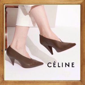 ★★CELINE《セリーヌ》KHAKI SOFT V-NECK PUMPS  送料込み★★