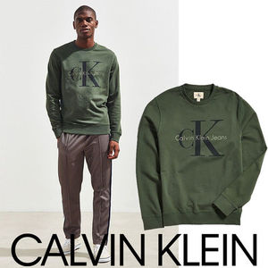 Calvin Klein カルバンクライン Pop Color Crew Neck Sweatshirt