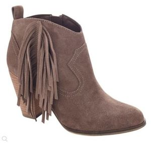 Steve Madden フリンジブーツ Ponncho Taupe