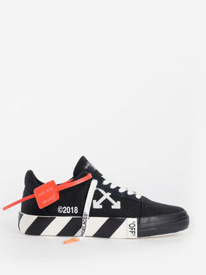 《 Off-White 》VULC LOW TOP SNEAKERS ローテクスニーカー 黒