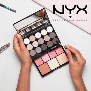 多機能パレット【NYX】Butt Naked Turn The Other Cheek Palette