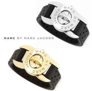 Marc by Marc Jacobsマークバイ 選べる2色TURNLOCKブレスレット