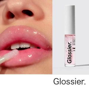 【NY発の爆発的人気!】Glossier.★リップグロス