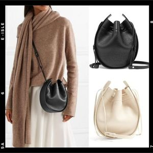 VERY掲載【THE ROW】Drawstring Pouch in Leather