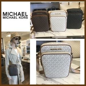 【Michael Kors】FLIGHT BAG CROSSBODY★MKロゴ☆