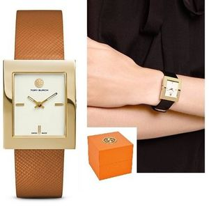 【今だけSALE☆国内発送】Tory Burch The BUDDY CLASSIC WATCH