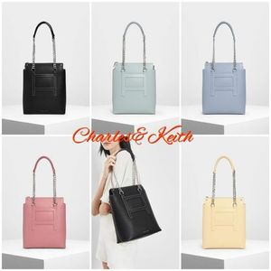 【Charles&Keith】 ロングチェーン トートバッグ 5色展開♪