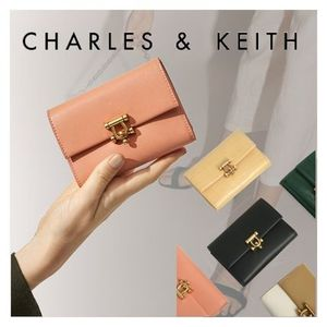 ★Charles&Keith★Metal Accent Mini Short Wallet★3つ折り財布